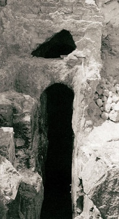 The Unsolved Mystery of the Tunnels at Baiae – did ancient priests fool visitors that they had crossed the River Styx and entered Hades?
